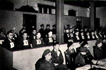 Tribunal militaire britannique procès Belsen Auschwitz Lüneburg 1945 photo archives